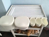 Set of storage tubs for changing tables