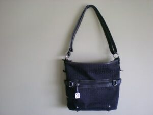 BLACK GIANI BERNINI PURSE