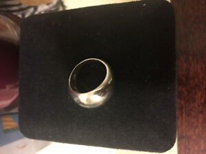 Authentic Links of London Ring