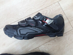shimano sh-m162 mtb shoes - perfect condition, size 9 (EU43)