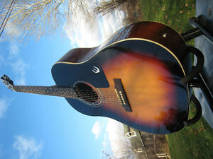 EPIPHONE AJ ACOUSTIC-ELECTRIC W/ HARDSHELL CASE