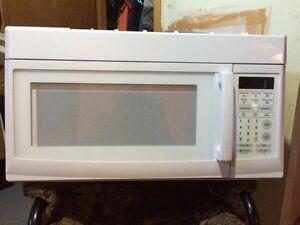 New 1200 watt Microwave