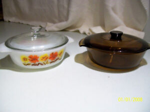 2 Glass casserole dishes with covers
