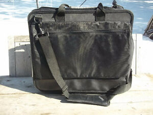Excellent Condition: Thinkpad Notebook Carrying Case