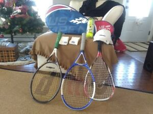U.S. OPen tennis bag with 3 racquets & more.