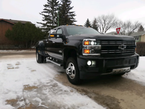 Like New 2015 Chevy 3500HD High Country Dually - ZeroAccidents