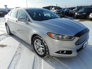 2013 Ford Fusion SE Sedan- LOW KMS, Nav, Leather- 16,987