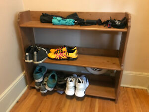 Wooden Shoe Rack - Great condition and capacity for many shoes