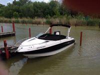 2012 Four Winns 215S boat