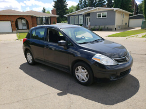 2011 Nissan versa very clean come with a mechanical inspection a