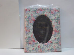 LARGE FLORAL PRINT CLOTH MATERIAL PHOTO FRAME - UNUSED/MINT