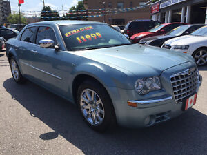 2010 Chrysler 300-Series LIMITED SEDAN...LOW KMS...NINT COND.