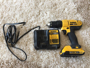 Dewalt 20V drill with 2 AH battery and charger