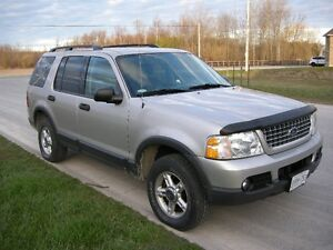 2003 Ford Explorer XLT 4.6 SUV, Crossover