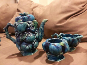 Vintage Fruit Teapot, mugs & accessories