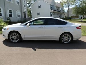 **LOOK* 2014 Ford Fusion- One Owner-Low Kms- Financing Available