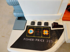 Vintage 1969 Fisher Price Alpha Probe w/Mini Shuttle -Work great Kitchener / Waterloo Kitchener Area image 3
