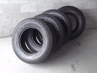 4 PNEUS LT-275-70-R-18 TOYO OPEN COUTRY.$150.00.