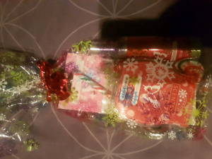 2 Christmas gift sets left both have 3 scentsy items