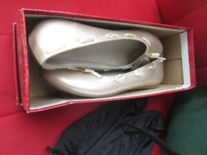 Hot KISS Shoes still in box