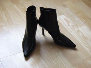 CAVALLINI Women's Black Leather Ankle Boots