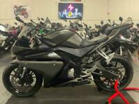 2014 Yamaha YZF-r125 125cc == we accept p/x / sell us your bike