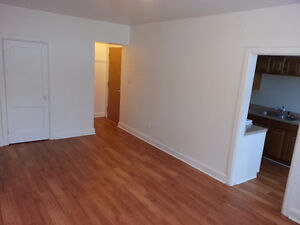 1 Bedroom - Walk to Law School
