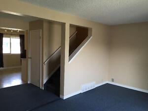 3 BEDROOM TOWNHOUSE -- OPEN FLOOR PLAN --- WEST EDMONTON