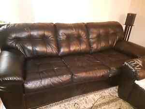 3 sofa a donner       ( gratuit )