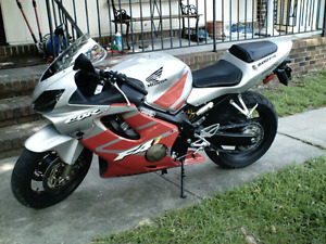 Looking for 01-06 f4i