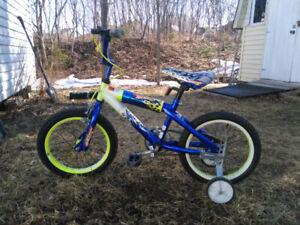 "Vélo Hot Wheels  16"""