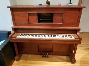 Piano du debut des 1900 CW Lindsay Piano from early 1900s