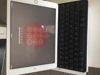 "iPad pro 9.7"" with smart keyboard"