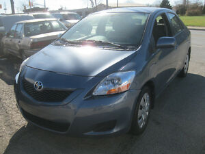 2010 Toyota Yaris Sedan Windsor Region Ontario image 4