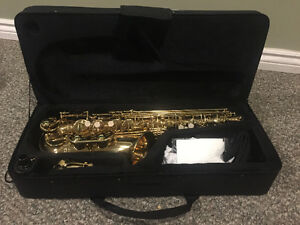 MINT CONDITION ALTO SAXOPHONE