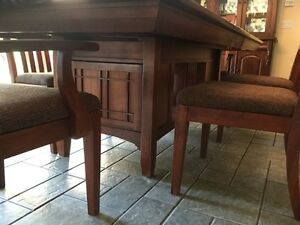 Solid Cherry Dining Table and Chairs Cambridge Kitchener Area image 3