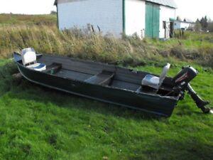 14' alunamin boat, 5hp Jhonson works good...