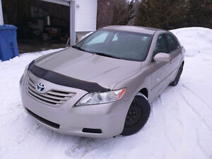2007 Toyota Camry LE *8 Tires, Low KM, Clean, NO RUST*