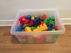 Box of Mega blocks. AVAILABLE  Gatineau Ottawa / Gatineau Area image 1