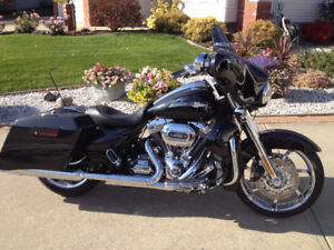 2012 CVO Harley Street Glide - mint condition a must see!
