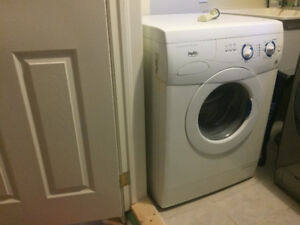 Whirlpool Inglis Apartment Size Washer (Model 96X5)