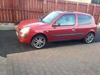 Renault Clio 04 £700
