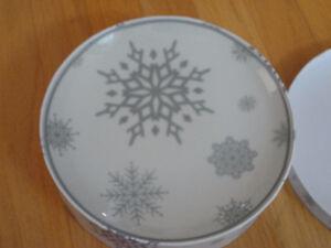 Brand new in box set of 4 snowflake printed dessert plates London Ontario image 6