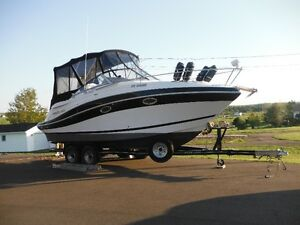 Reduced 2006 Four winns Vista 258 boat and four winns trailer