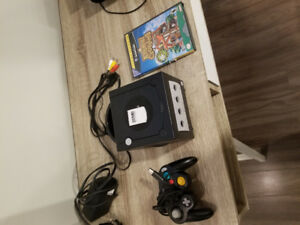 Nitendo gamecube with animal crossing and 32 MB memory card