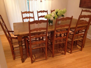 DINING TABLE & 8 CHAIRS :GORGEOUS!!!
