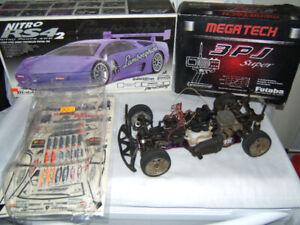 VINTAGE HPI NITRO RS4 -2  4WD RACING CAR FUTABA RC