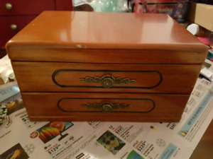 Small jewelry box