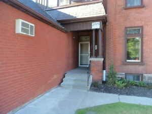 2 BEDROOM APT. AVAILABLE Peterborough Peterborough Area image 1