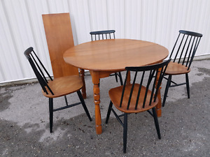 Solid wood dining/kitchen set